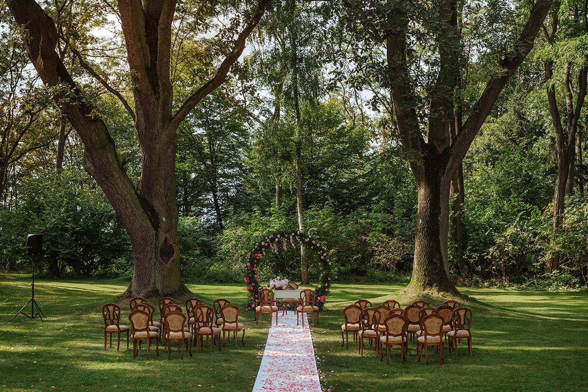 ślub w ogrodzie Pałacu Zdunowo
